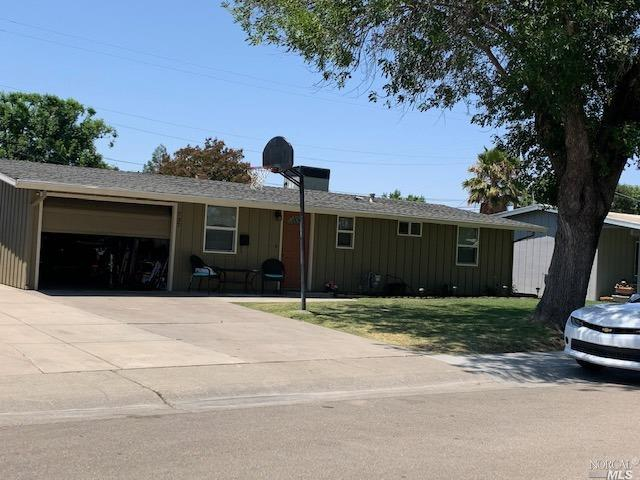 Perfect home for first time buyer or retirement.  Home upgraded at time of purchase 3/2009. Currentl