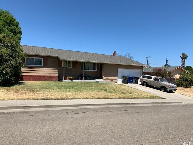 Great starter home or retirement, home was updated in 2007 at time of purchase.  3 bedroom 2 baths w
