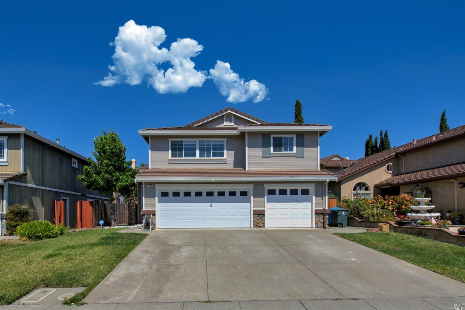 Beautiful open floor plan featuring 5 bed, 3 bath in East Vallejo includes a downstairs bedroom and