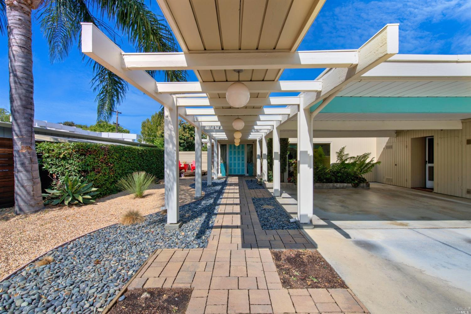 Get ready to be inspired by this incredible Eichler-style home. Think Mid-Century Modern meets Nut T