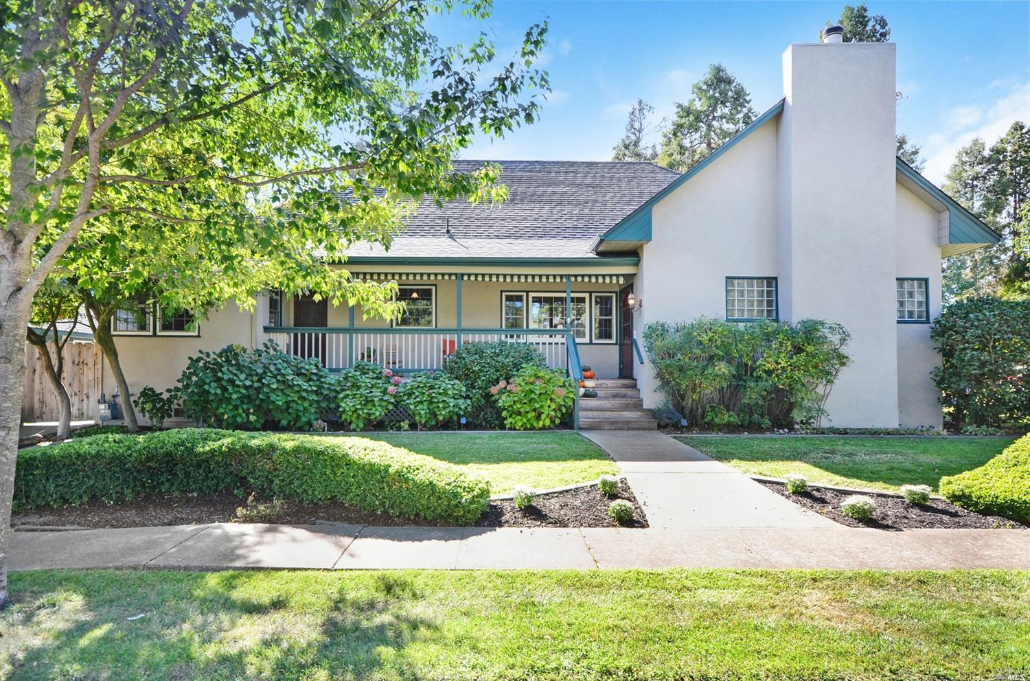 Charming single story home with sparking pool in the heart of Napa Valley! This 3 bed, 2 bath home i