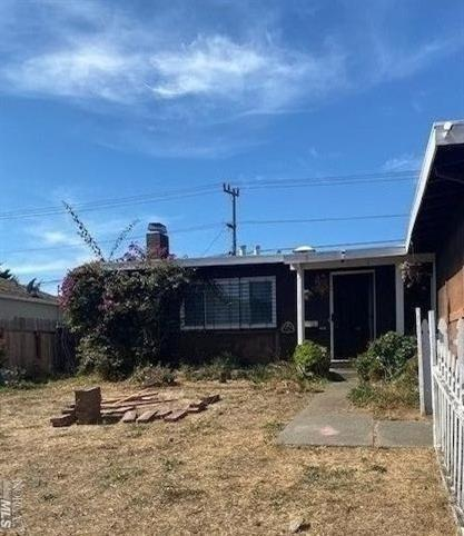 Home is located near 37 and 29 freeway. Three bedrooms and one bathroom. With some imagination this