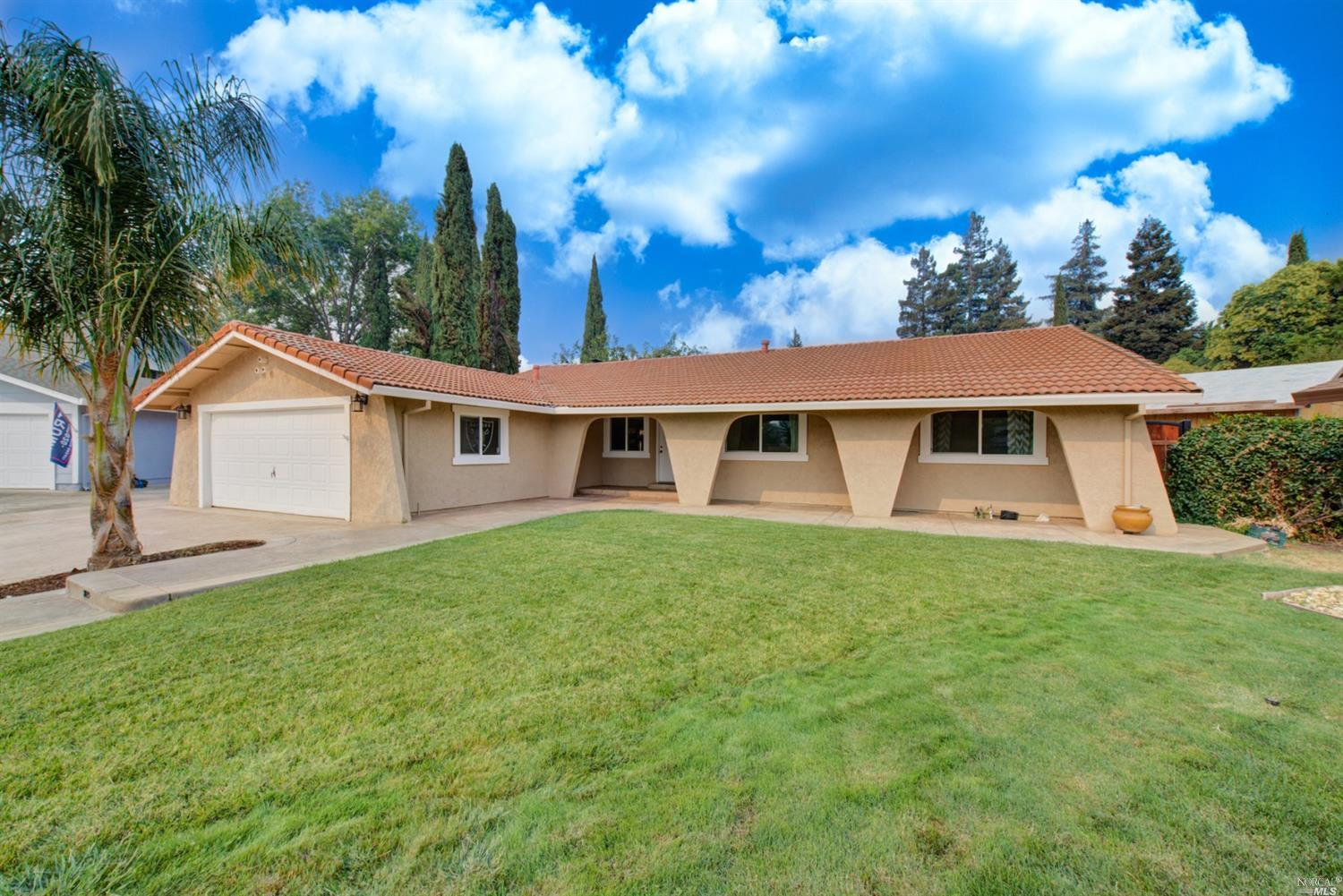 Stunning Westside single story at the end of the court almost .25 of an acre, inground pool & spa AN
