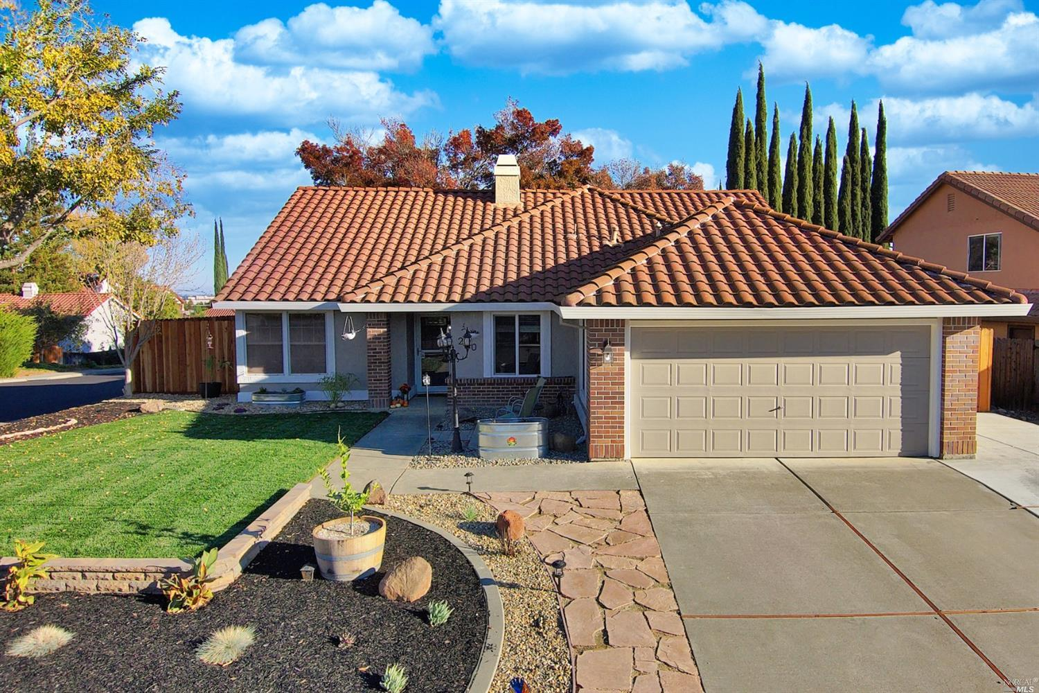 Desirable Browns Valley Updated Single-Story Home Located In A Court With Views Of The Hills! This B