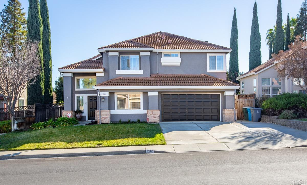 Beautiful Browns Valley, one of the most sought out areas in Vacaville. 5 bedrooms, 3 full bathrooms