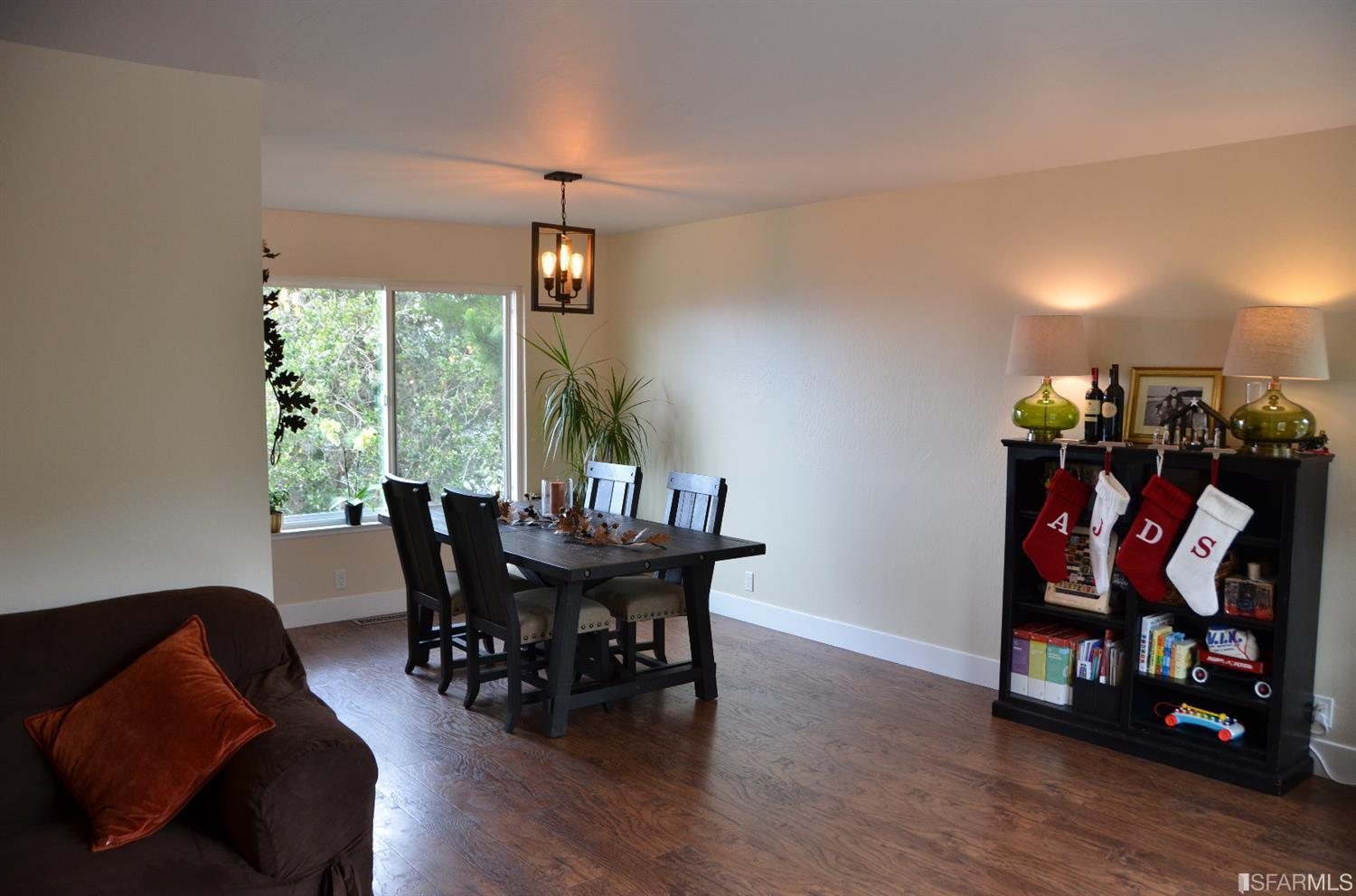 11 HUMBOLDT COURT, PACIFICA, CA 94044  Photo