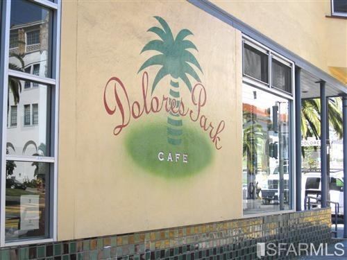 Fantastic location convenient to the Valencia Corridor, the Castro and Noe Valley, with excellent access to Dolores Park, fantas