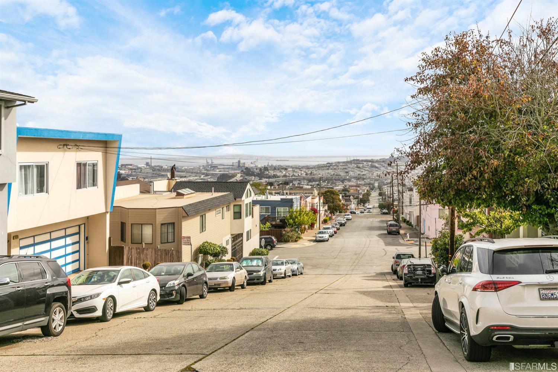 Listing 507149 : 1823  Silliman Street, San Francisco, CA, 94134  (photo 2)