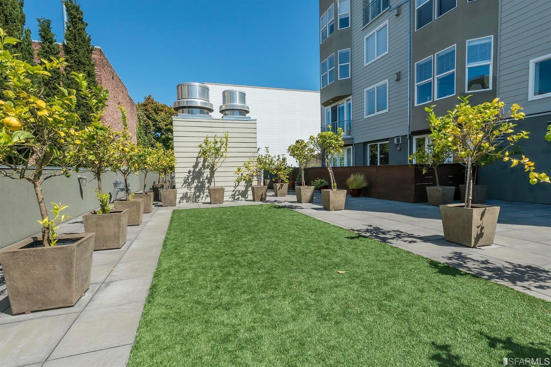 Listing 507689 : 566  South Van Ness Avenue 12, San Francisco, CA, 94110  (photo 16)