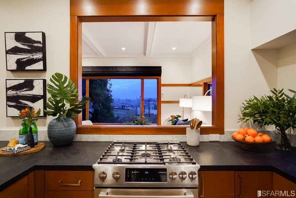 Listing 512160 : 374  Douglass Street, San Francisco, CA, 94114  (photo 8)